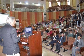 02-Medical Expert Prof. Dr. Salman Adil AKU Karachi is talking to one day Symposium on Bone Marrow Transplant held at KMU (Custom)1518410261.JPG